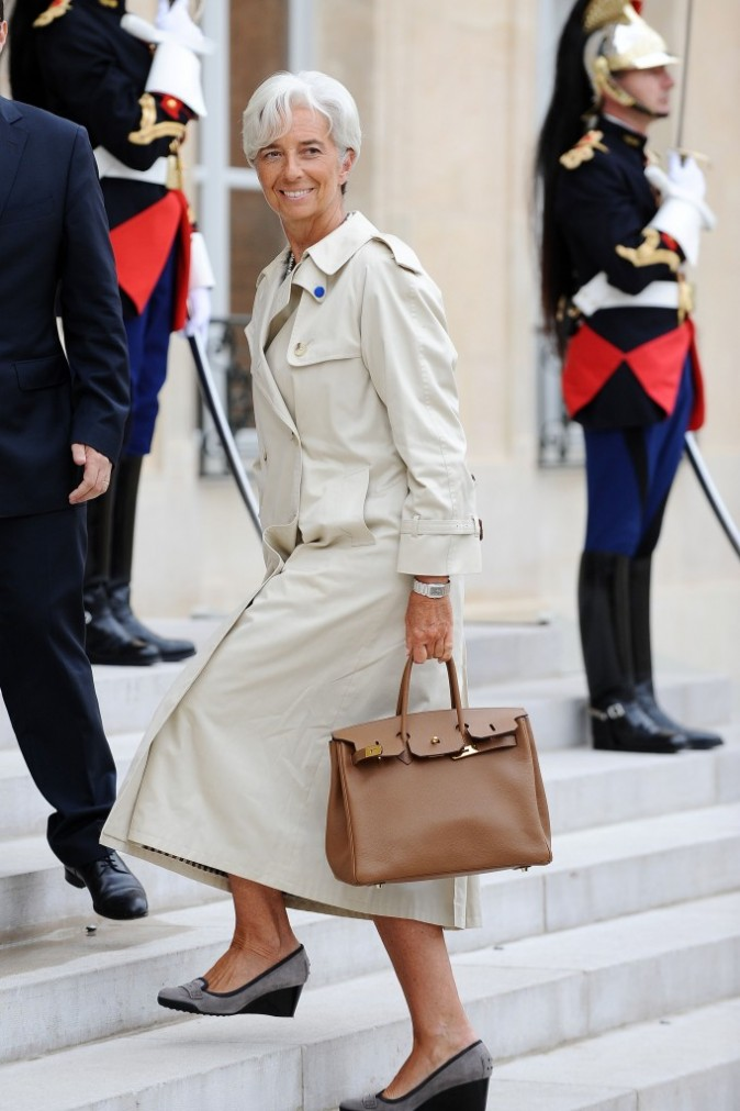 Total look beige pour Christine Lagarde