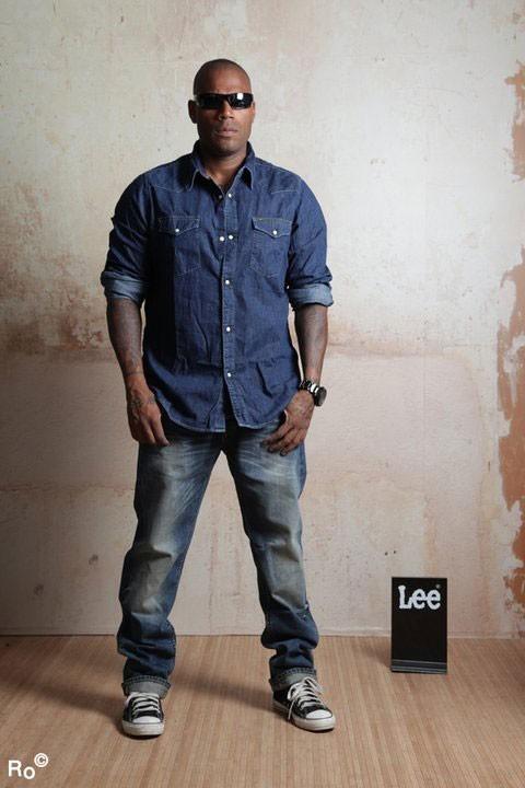 Mode : Lord Kossity prend la pose pour Lee pendant le Festival de Cannes 2011 !