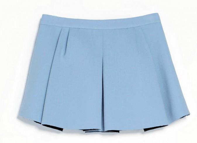 Prescription : le bleu layette avec la jupe, Zara, 39,95 €