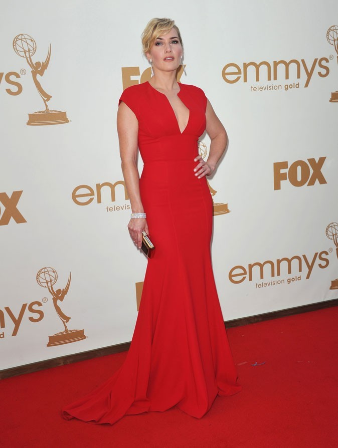 Colorama : la robe rouge Elie Saab de Kate Winslet (Mildred Pierce) !