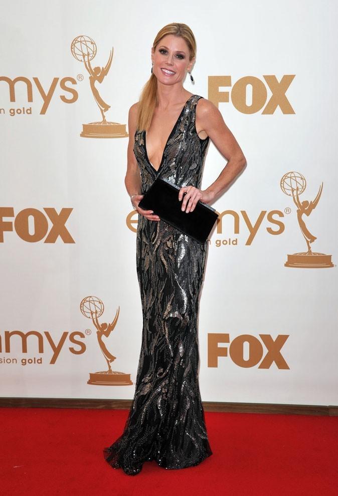 Tout ce qui brille : la robe à motifs argentés Oscar de la Renta de Julie Bowen (Modern Family) !