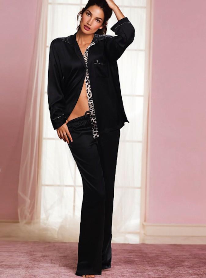 Découvrez la nouvelle campagne hot, hot, hot de Victoria's Secret avec Lily Aldridge !