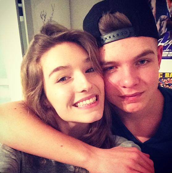 Manuela Frey avec son frère