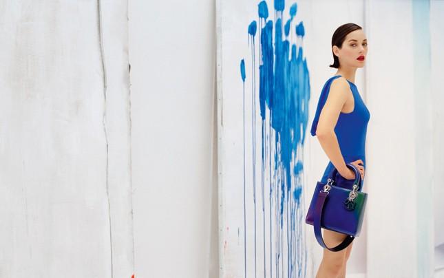 Marion Cotillard icône pop et arty pour Lady Dior !