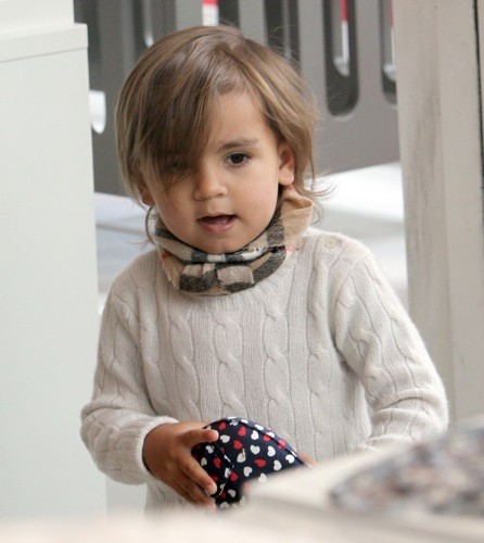 mode mason disick kardashian a 3 ans aujourd 39 hui retour sur tous ses looks. Black Bedroom Furniture Sets. Home Design Ideas