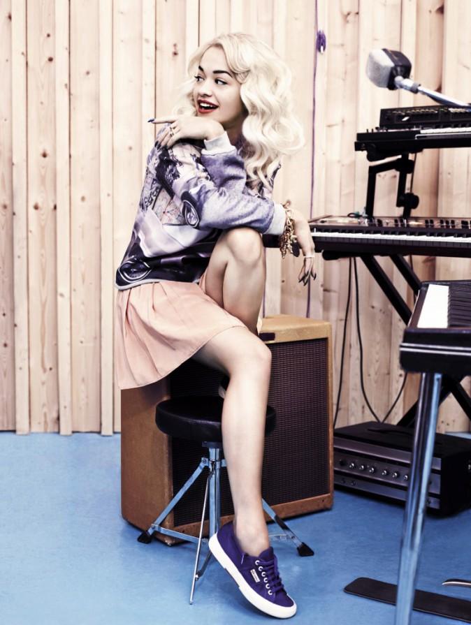 Rita Ora pour Superga