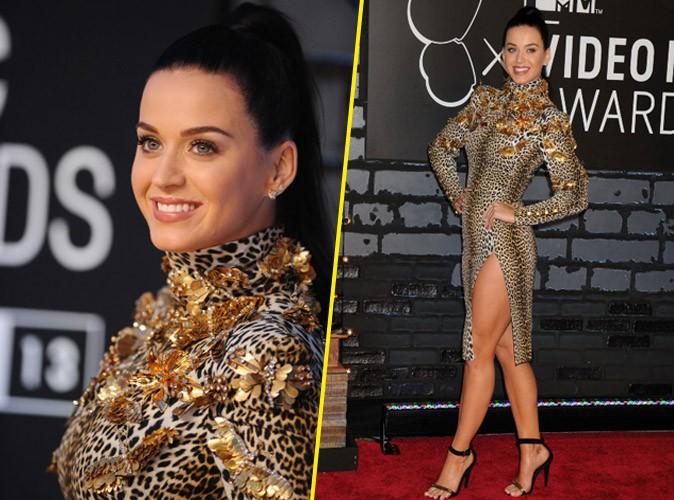 Katy Perry et sa robe léopard rebrodée de papillons !