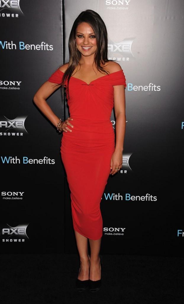 """Mila Kunis est : """"Glamour Girl"""" !"""