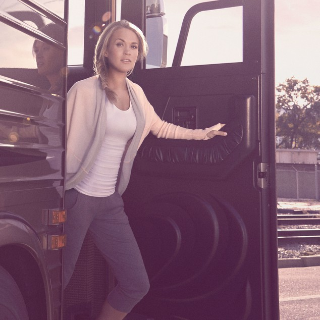 Mode : Photos : Carrie Underwood : elle pose pour sa propre ligne, Calia By Carrie Underwood !