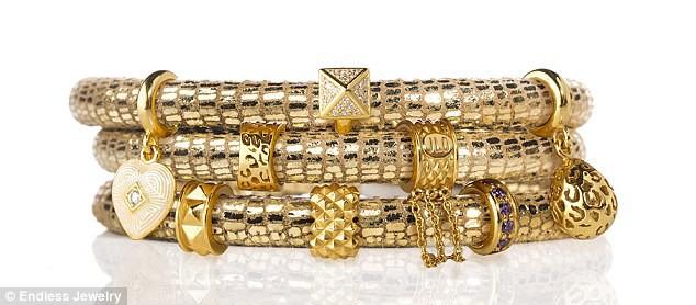 Mode : Photos : Jennifer Lopez : découvrez sa collection de bijoux pour Endless Jewelry !