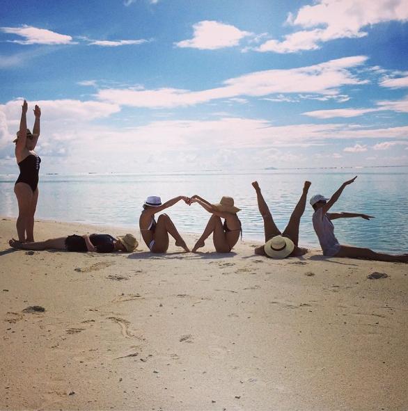 Mode : Photos : Miranda Kerr heureuse et magnifique sur les plages de Polynésie !