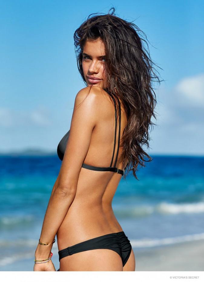 Mode : Photos : Sara Sampaio fait grimper la température de la campagne Victoria's Secret !