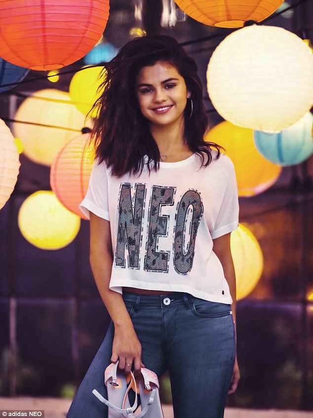 Mode : Photos : Selena Gomez : canon et espiègle dans la nouvelle campagne Adidas Neo !