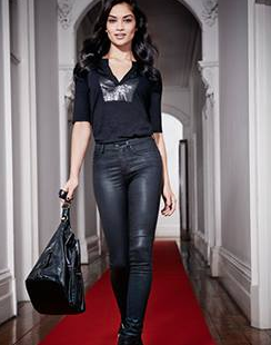 Mode : Photos : Shanina Shaik : Nouvelle campagne hot et rock pour Just Jeans !