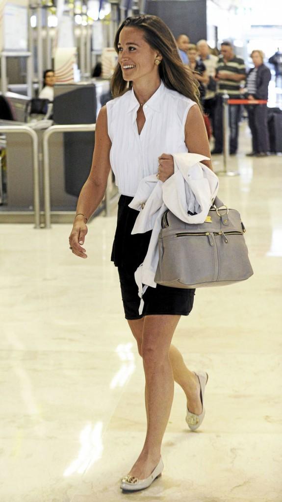 """Pippa a flashé sur le sac Modalu en version """"gris"""""""