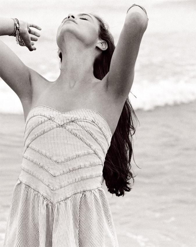 Mode printemps-été 2011 : une robe bustier en jean Quiksilver !