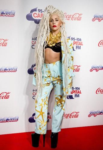 Lady Gaga, gagnante du meilleur look en promo !