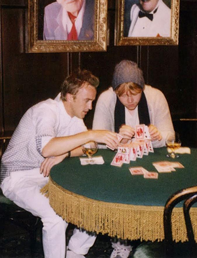 Qui se transforme en château de cartes !