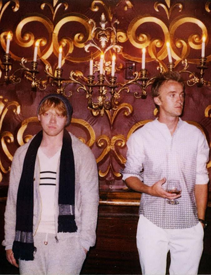Tom Felton et Rupert Grint sont dans un manoir...