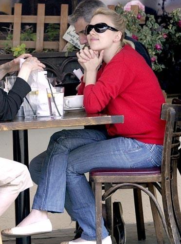 Look casual pour prendre un café