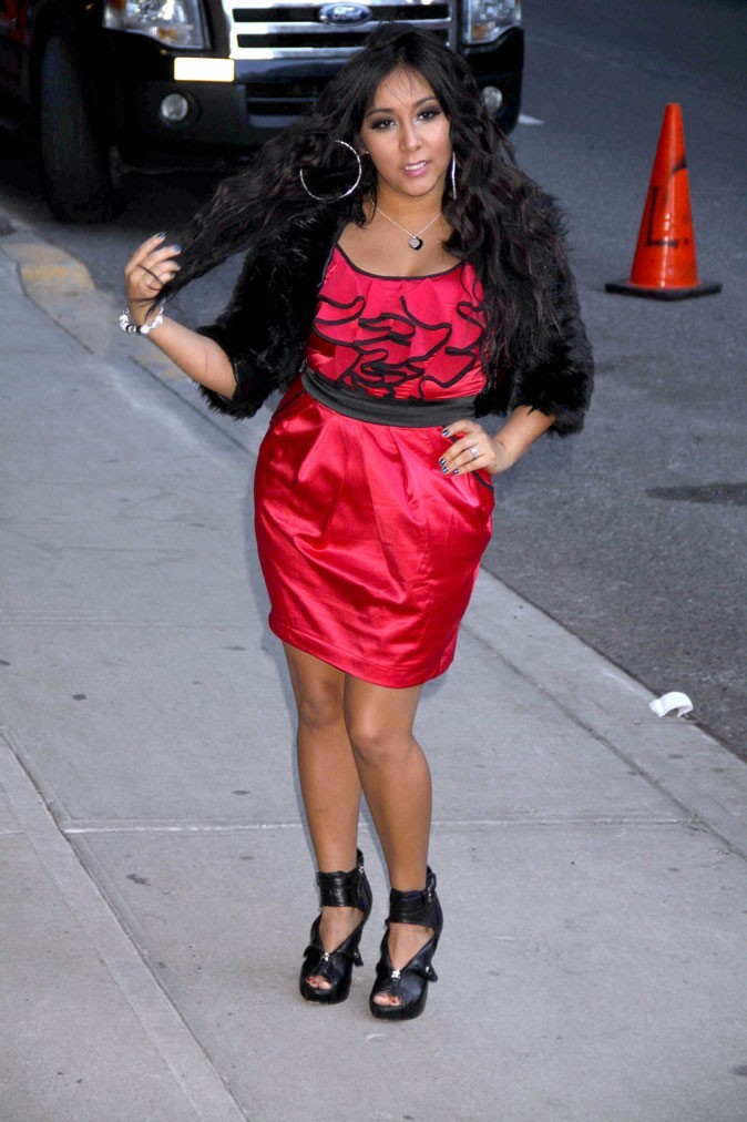 Une robe rouge à volants de Snooki !