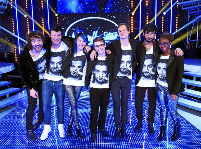 La team de la Nouvelle Star et le T-shirt Cyril Hanouna à moustache d'Eleven Paris.