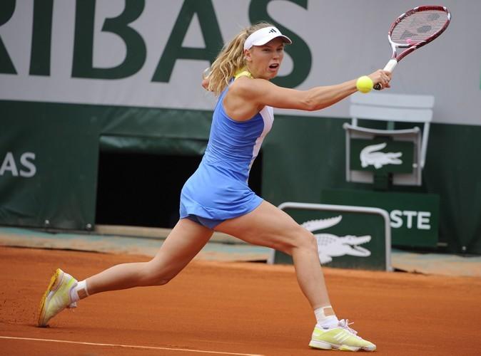 L'internationale danoise Caroline Wozniacki à Roland Garros porte les créations de Stella McCartney.