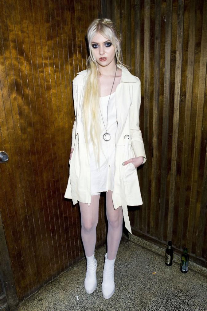 """Mode : Taylor Momsen : les """"corsets et talons de strip-teaseuse"""", c'est fini !"""