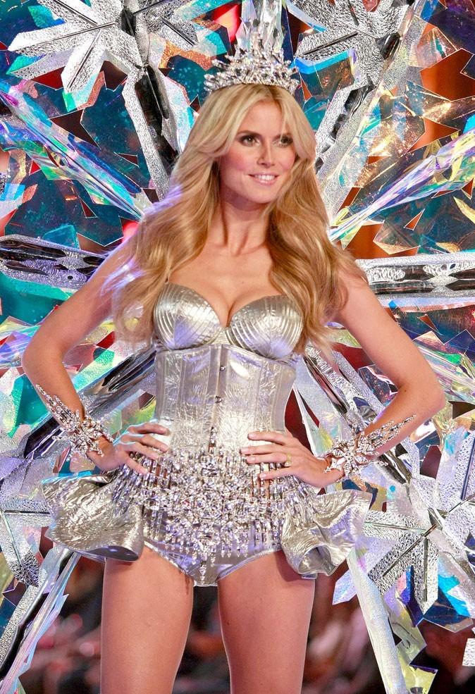 Le corset d'Heidi Klum au défilé Victoria's Secret !