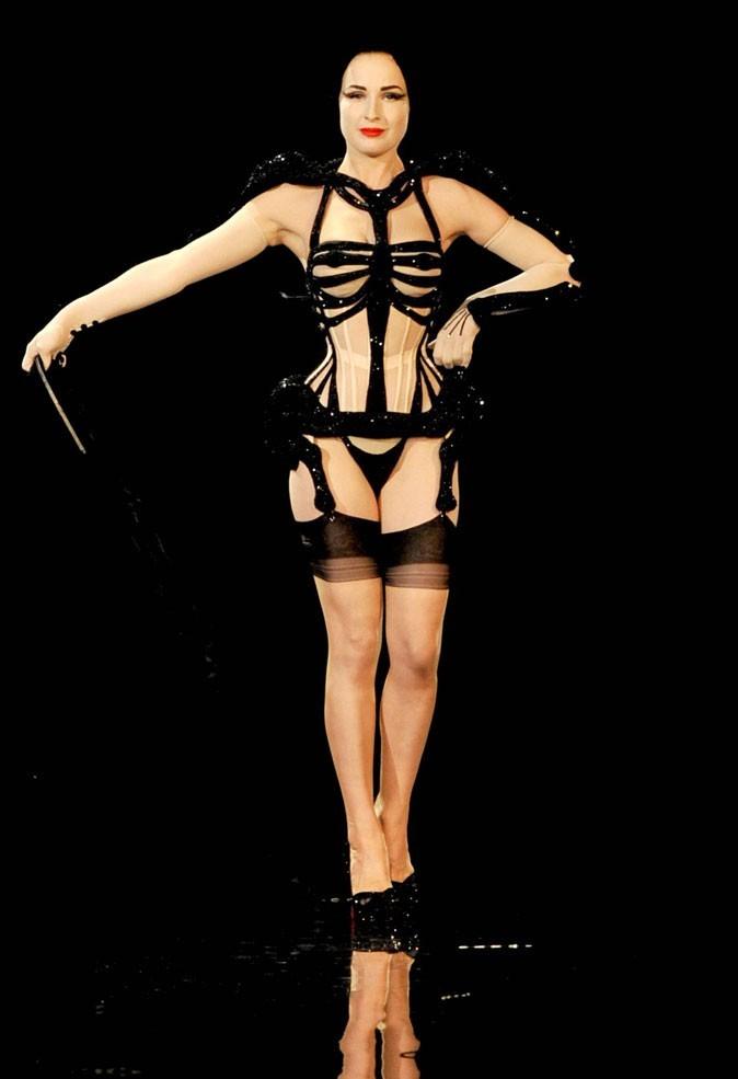 Le corset de Dita Von Teese au défilé Jean Paul Gaultier !