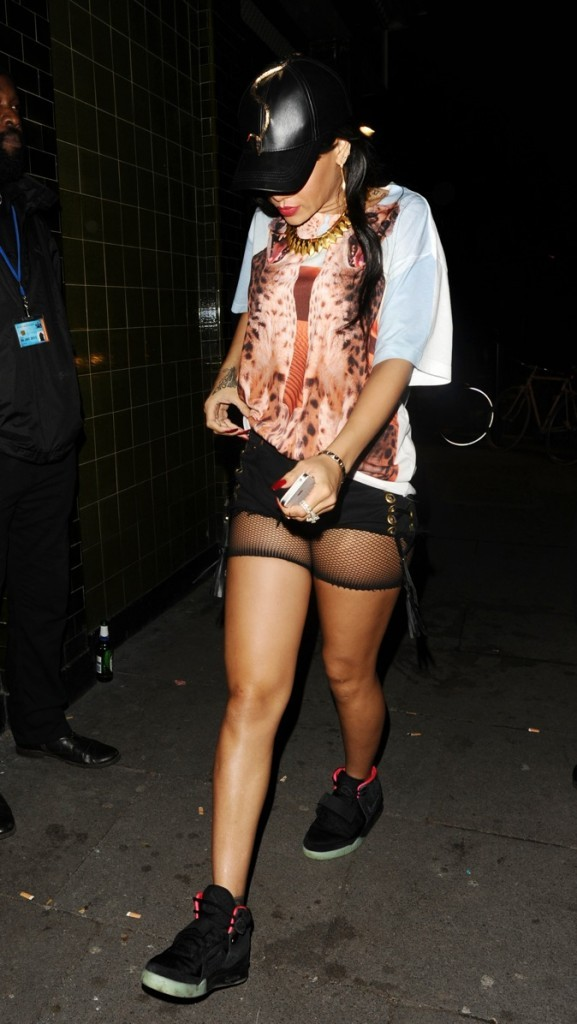 Rihanna, blasée des photographes !