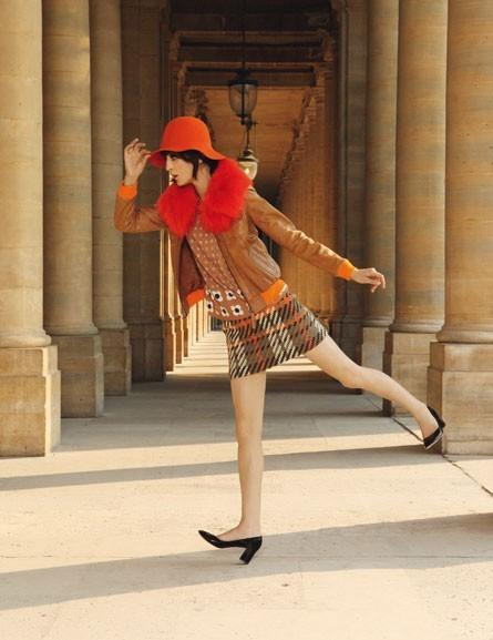 Le cuir camel et la jupe tweed de Mademoiselle Tara !