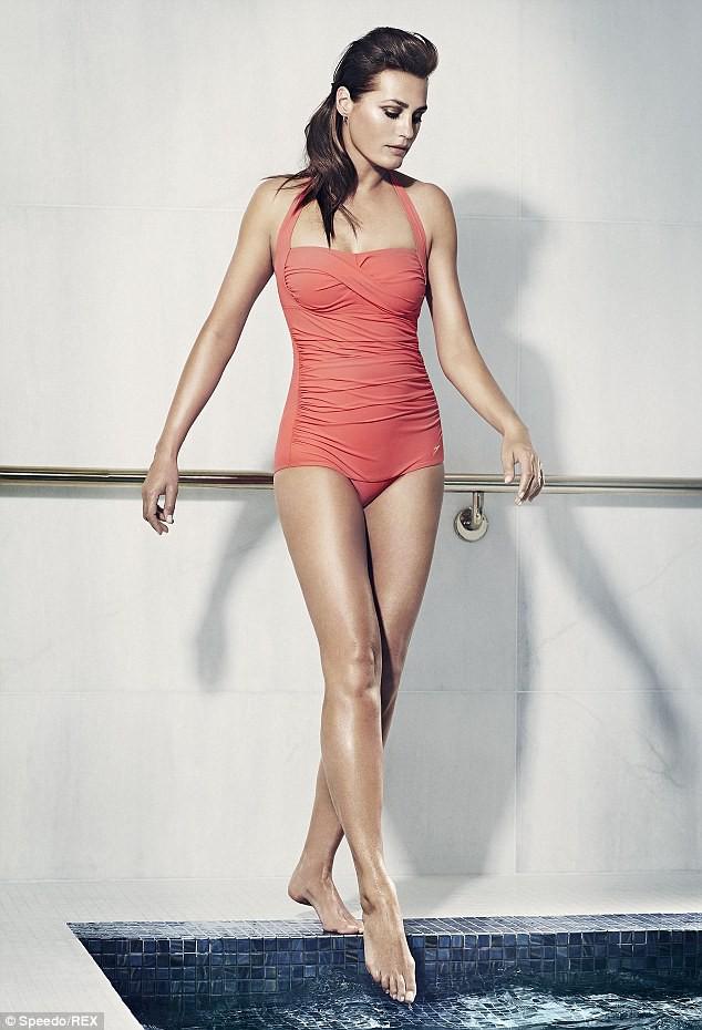 Mode : Yasmin Le Bon : une nouvelle égérie musclée et sexy pour Speedo !
