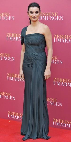 La robe longue noire version Penélope Cruz