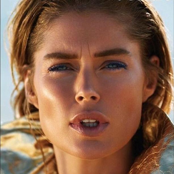 Doutzen Kroes pose pour Vogue Paris
