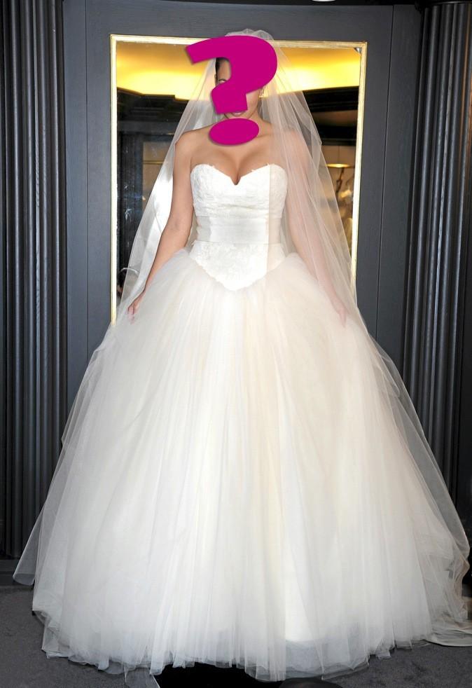 """A - """"Cette sublime robe Vera Wang, n'a pas empêché mon mariage de tourner court."""""""
