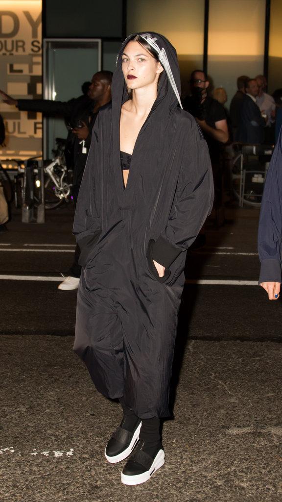 Vittoria Cerretti au défilé DKNY à New York le 13 septembre 2016