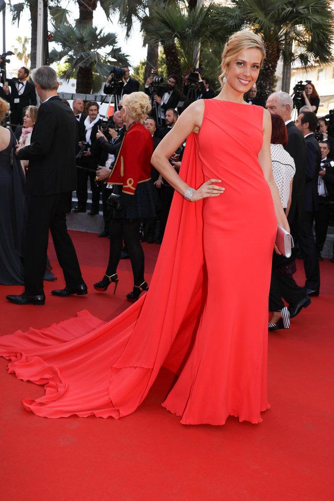 Petra Nemcova sur le tapis rouge du 69e Festival de Cannes