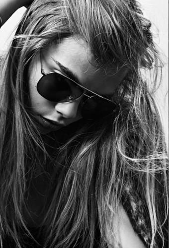 Cara Delevingne nouvelle égérie mode Saint Laurent... Campagne Automne-Hiver 2013 !