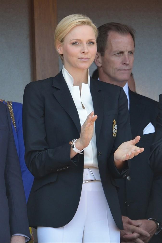 En tailleur, elle est so classy !