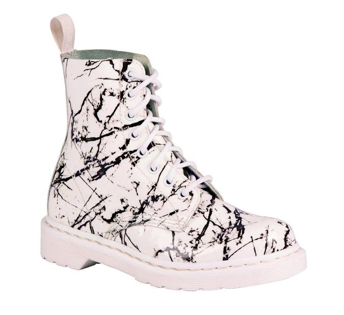 Boots en cuir, Dr. Martens. 135 €.