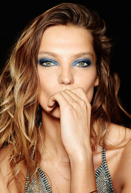 Photos : Daria Werbowy : des yeux flashy pour Anthony Vaccarello x Lancôme !