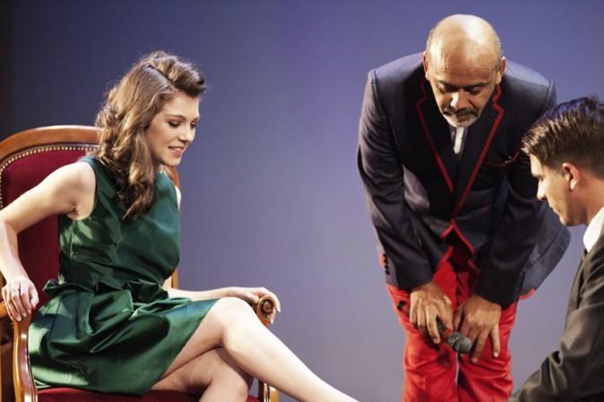 Raphaelle essaye les escarpins..