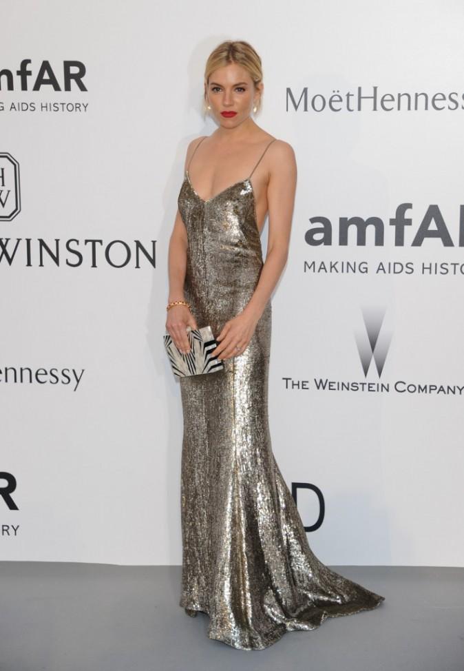 Sienna Miller en Ralph Lauren, le jeudi 22 mai au gala AmfAR