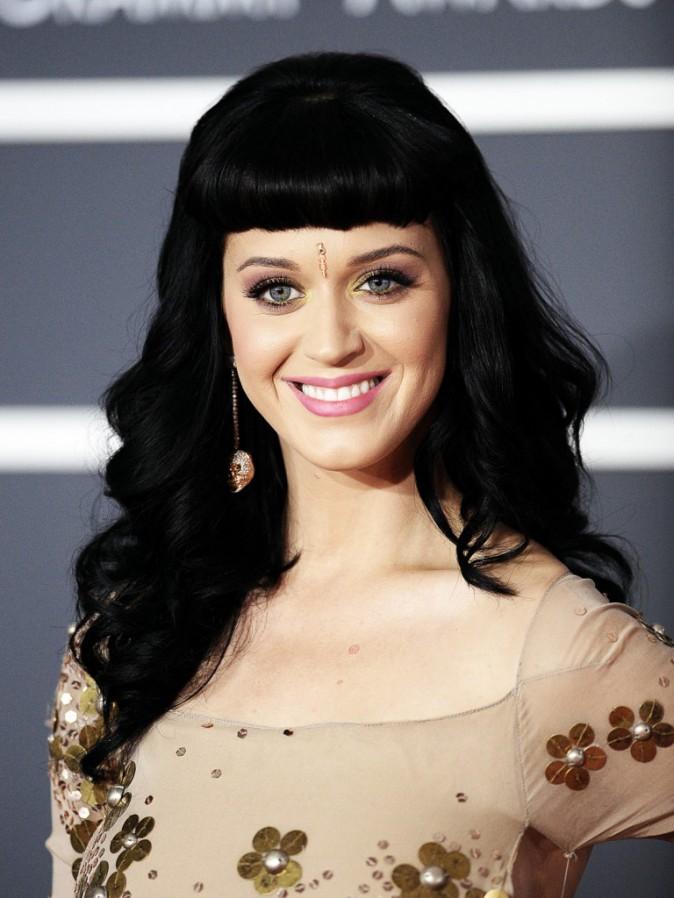 L'évolution capillaire de Katy Perry : 2010