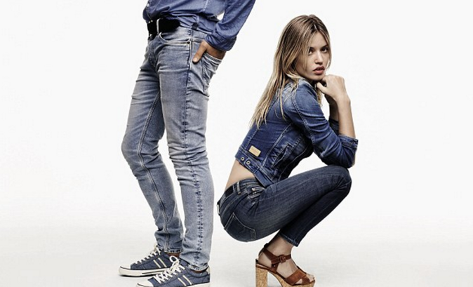 Photos : Georgia May Jagger : nonchalante et minimaliste pour la nouvelle campagne Pepe Jeans