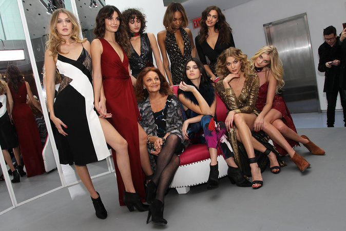 Photos : Gigi Hadid, Kendall Jenner et leurs copines : avalanche de bombe au défilé Diane Von Fürstenberg