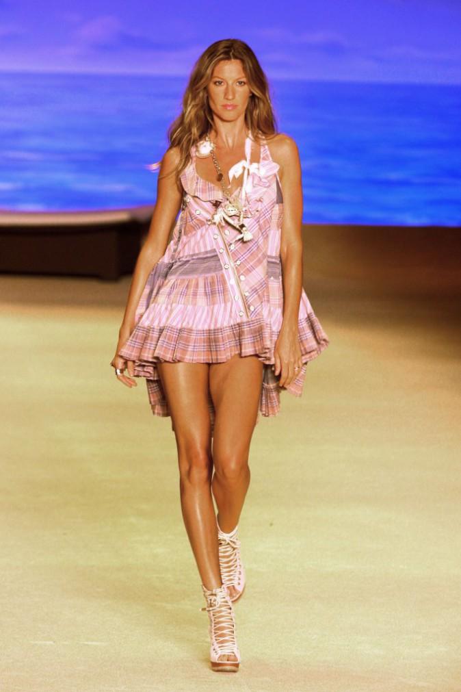 (Colcci Fashion Show à Sao Paulo 18.06.2009)