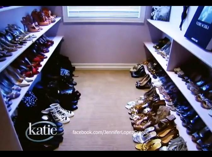Une impressionante collection de chaussures