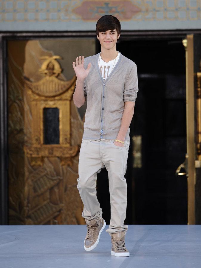 Photos : Justin Bieber : de la coupe au bol au look couture... Découvrez l'évolution mode de Biebs !